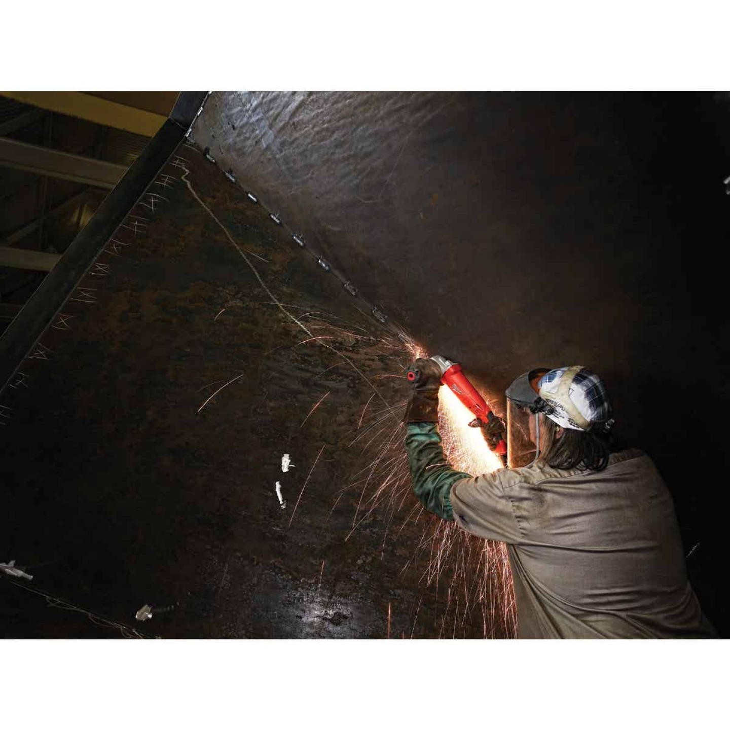 Milwaukee 4-1/2 In. 11A 11,000 rpm Angle Grinder Image 2