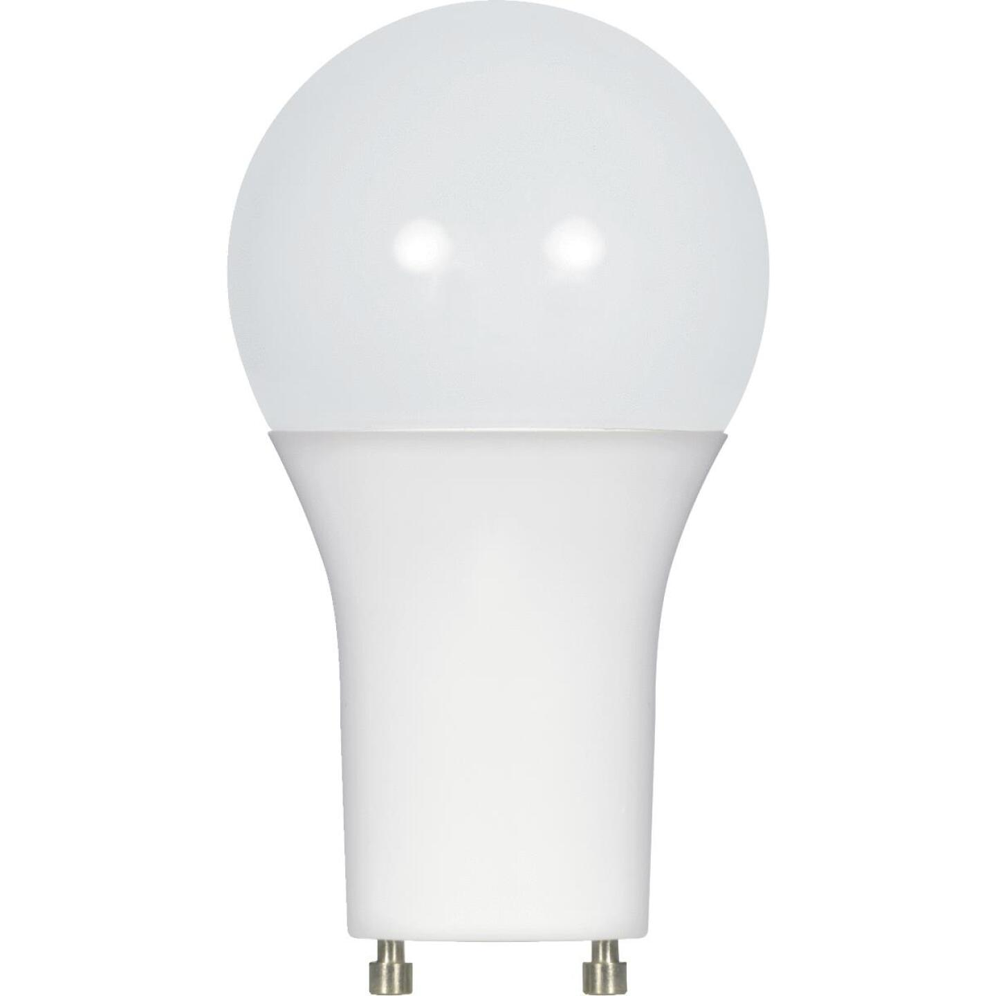 Satco 75W Equivalent Warm White A19 GU24 LED Light Bulb Image 1